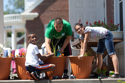 Horizons students planting flowers